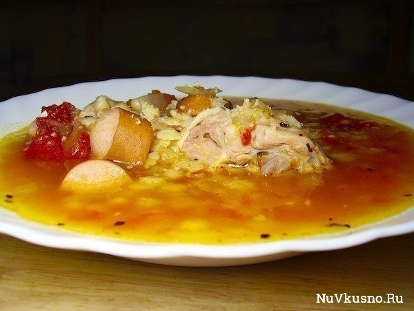 Итальянский томатный суп с сосисками