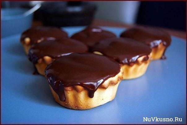 Нежные сливочные пирожные с шоколадом