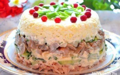 Подборка салатов со свежими огурчиками