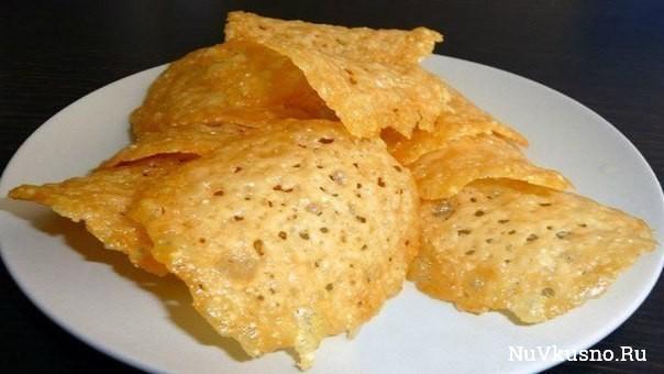 Простые сырные чипсы