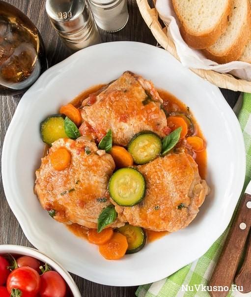 Рагу из курицы с морковью и цуккини