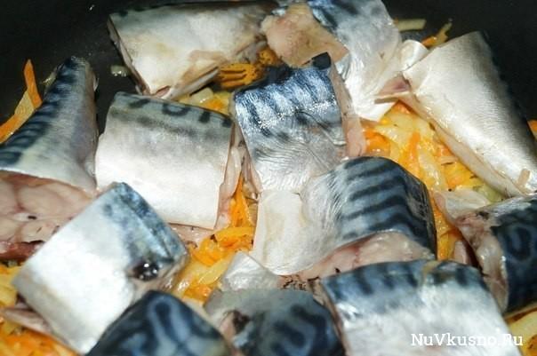 Рецепт скумбрии, тушеной с морковью и луком