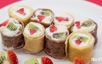 Сладкие роллы из блинчиков с фруктами