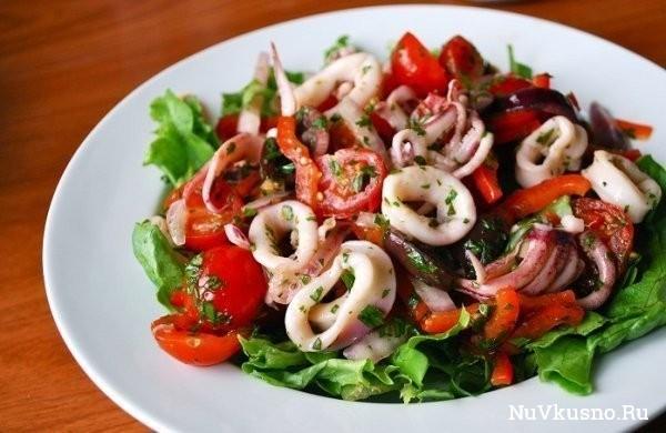 Топ-5 рецептов салатов из кальмаров