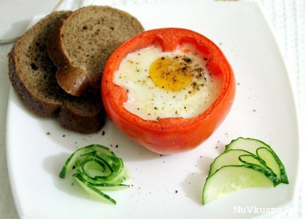 Яичница в помидорах — вкусный завтрак