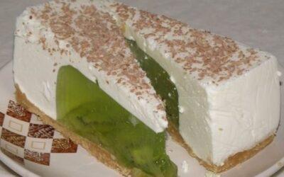 Желейный торт из киви и сметаны